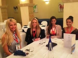 da sx Dorotha (Svezia), Tayla (Sud Africa), Gilda (Portogallo), Shannon (Canada)
