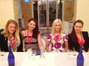 da sx Jasmine (Australia), Olga (Russia), Ekaterina (Estonia), Evgenya (Bielorussia)