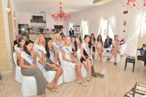 le concorrenti di Miss Progress International 2014 alla conferenza stampa