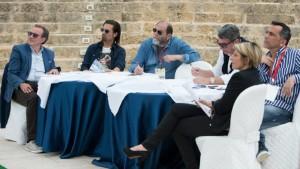 El jurado. De izquierda: Sergio Puzzovio, Lino Perrone, Sergio Malfatto, Nando Marzo, Giuseppe Borrillo, Giusy Nobile